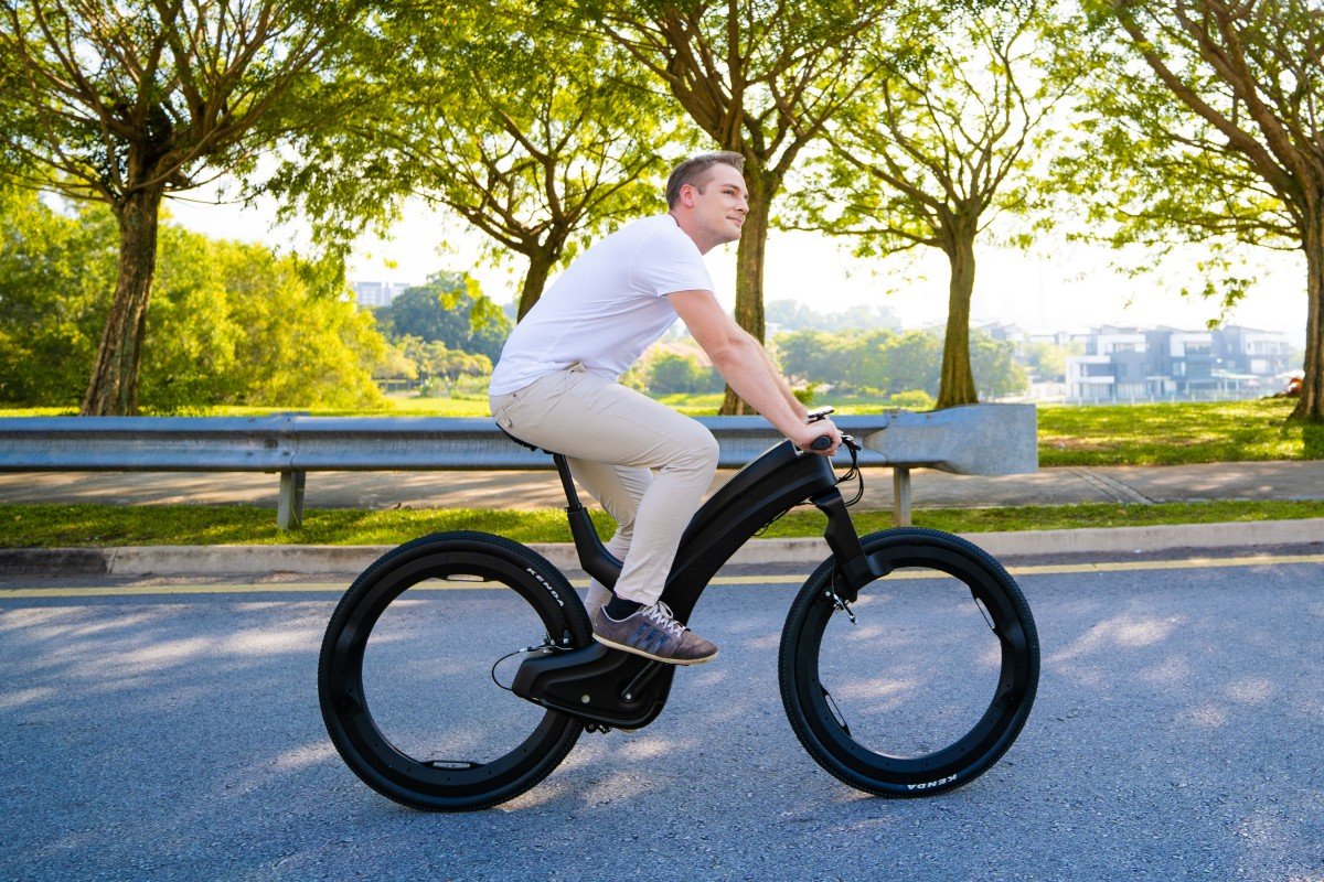 Reevo The Hubless Smart E Bike